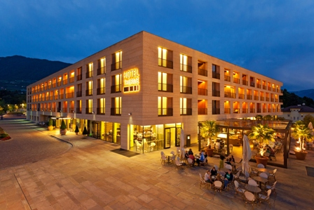 Hotel Therme Meran by Night